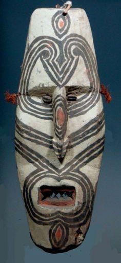 Ancestor mask ........ Ex E.Boylan Papua (New Guinea)