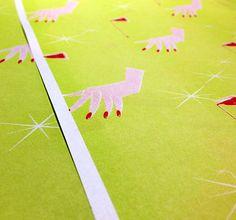 とろけるマニキュア柄ペーパー #wrappingpaper #textile #Illustration