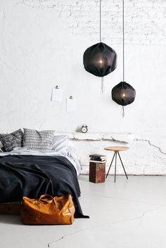 Suspensions dans la chambre / Kuu pendant in bedroom
