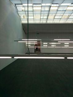 Ayse Erkmen, Luminous.
