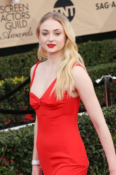 Sophie Turner in Louis Vuitton at 2017 Screen Actors Guild Awards