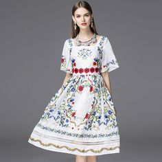 Princess Dress 2017 Summer New Bohemian Fashion Casual New Short Flare Sleeve Floral Print Square Collar Slim Casual Dress