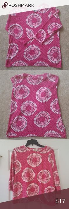 """Talbots 100% pima cotton 3/4 sleeve top EUC. No stains or rips. Smoke and pet free home.   Measurements are approximate  Length-23"""" Bust- 40"""" Sleeve- 20"""" Talbots Tops"""