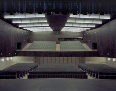 Rojo / Fernandez-Shaw, Hisao Suzuki · Centro Socio Cultural Ágora. A Coruña, Spain · Divisare