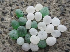 Sea-Beach-Glass-27-round-pcs-Green-White-Clear-Surf-tumbled-frosted