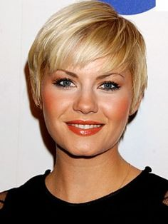 6 most flattering / gorgeous hairstyles / haircuts for round faces
