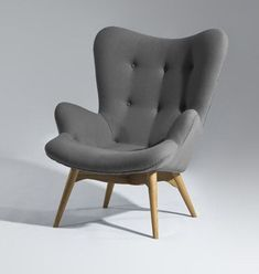 """I could do some serious """"pinning"""" curled up in this grey mid century modern chair! www.twosimplepeople.com #Chairs"""