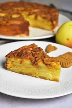 Extra soft with the crunchy cinnamon cookies this apple cake Easy Cake Recipes, Easy Desserts, Dessert Recipes, Cake Mix Cookies, Biscuit Cookies, Cinnamon Cookies, Cake Factory, Apple Cake, Caramel
