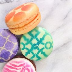 Gorgeously delicious macaroons were a happy Spring surprise from #Waverly today!! Xo