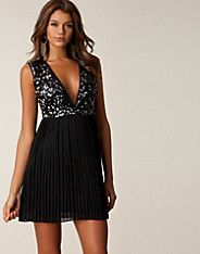 Sequin Pleated Dress - Oneness - Silver/black - Party dresses - Clothing - NELLY.COM UK