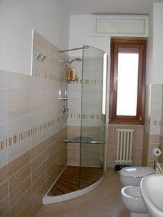 Risultati immagini per bagni lunghi e stretti con doccia | casa ...