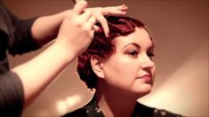 How to Make Fabulous Flapper Finger Waves : A 1920s Chic Hair Style Tutorial Video