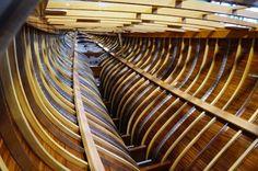 Robbe und Berking Classics. Dieser Sipo Mahagoni Stamm wird Johan Ankers letzte 12 mR Yacht.