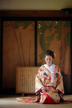 Japanese Wedding Kimono, Kimono Style, Kimono Fashion, Geisha, Traditional Outfits, Fashion Photo, Wedding Photos, Oriental, Action