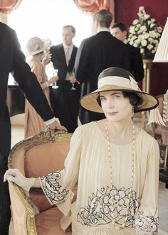"""Elizabeth McGovern as Cora Crawley, the Countess of Grantham in """"Downton Abbey"""", 2014."""