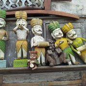 wooden statues scaramangashop.co.uk