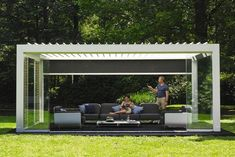 Camargue® Innovative and modular patio cover with horizontal sun protection roof with rotating blades The Camargue® is an innovative, modular patio cover with a bladed roof that can be closed off on the sides using the integrated windproof Fixscreens®, glass sliding walls, Loggia® sliding panels or a combination of th