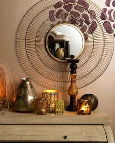 A large sunburst mirror in a painted aged gold finish. A pretty statement mirror in a modern/vintage style for hallways, living rooms and bedrooms. Gold Sunburst Mirror, Decorative Mirrors, Modern Vintage Fashion, Metal Mirror, Round Mirrors, Art Deco Fashion, Contemporary, Free Delivery, Frame