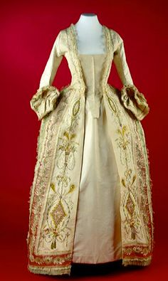 """Galajapon"" open robe gown with stomacher, 1770-1790, Amsterdam."