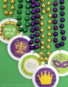 Create custom Mardi Gras Beads, party favors or decorate gift packaging with our free printable stickers and labels. These Mardi Gras graph. Mardi Gras Date, Mardi Gras Carnival, Free Printable Stickers, Free Printables, Party Printables, Diy Name Tags, Mardi Gras Outlet, New Orleans Mardi Gras, Mardi Gras Decorations