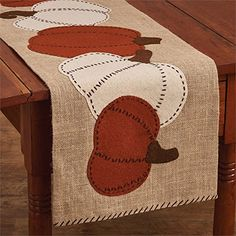 Pumpkin Patch Felt Table Runner - Perfect for Fall decor By Park Designs Table Runner And Placemats, Burlap Table Runners, Table Runner Pattern, Quilted Table Runners, Fall Table Runner, Thanksgiving Table Runner, Halloween Quilts, Penny Rugs, Halloween Table Runners