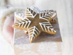 Gingerbread Stars with Icing