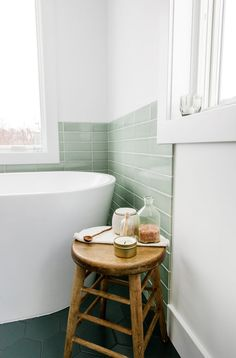 13 Ways to Get Your Bathroom Looking Fresh And Clean for Spring (image The Fresh Exchange) #bathroom #springcleaning #bathroominspo