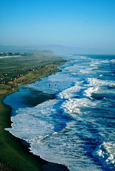 Ocean Beach, San Francisco One of my most favorite places Wyoming, Lonly Planet, Ocean Beach San Francisco, San Francisco Skyline, Places To Travel, Places To See, Travel Destinations, All Nature, California Dreamin'