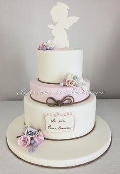 La mia prima Comunione by graziastellina Beautiful Cakes, Amazing Cakes, Fondant Cakes, Cupcake Cakes, Comunion Cakes, Christening Cake Girls, Religious Cakes, First Communion Cakes, Blackberry Cake