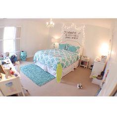 Super cute teen girl bedroom! #Roomspiration