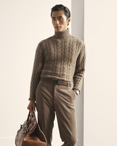 The elements of timeless elegance. In a look from Ralph Lauren Purple Label Pre-Spring Zhao Lei wears a cable-knit Italian cashmere sweater with fine-wale corduroy trousers, an RL logo belt, a white gold RL 867 timepiece, and the Cooper 50 Weekender bag. Kids Outfits, Casual Outfits, Men Casual, Italian Outfits, Preppy Men, Ralph Lauren Style, Men Style Tips, Well Dressed Men, Gentleman Style