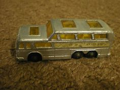 Matchbox Lesney No 66 Greyhound Coach - http://www.matchbox-lesney.com/40291