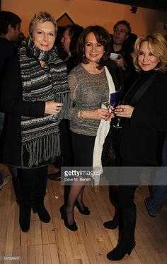 Jennifer Saunders, Francesca Annis and Felicity Kendal attend the press night of… Felicity Kendal, Francesca Annis, Jennifer Saunders, Photography Movies, Digital Art Girl, Night Photos, British Actors, Peaches, Kendall