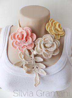 Colar de Rosas - Silvia Gramani Crochê