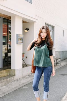 15 Stylish Women Korean Fashion Ideas That Look More Beauty fashion party 15 Stylish Women Korean Fashion Ideas That Look More Beauty Korean Fashion Street Casual, Korean Fashion Dress, Korean Fashion Winter, Korean Fashion Casual, Ulzzang Fashion, Korean Outfits, Asian Fashion, Casual Chic Style, Casual Street Style