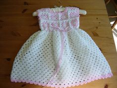 Pretty crochet toddler dress. Pattern found on pinterest for FREE. Those are the best patterns. FREE!