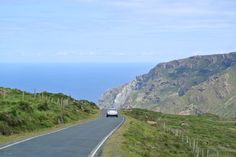 A SCENIC ROAD that goes along 600 meters cliffs!!! Woo!!! Serra da Capela, Galicia - Spain