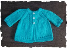 Here at last ......... for those of you who love my little baby top ........ and have been waiting for a preemie version with sleeves ........