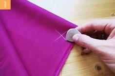 Trucos de costura que te sacarán de más de un apuro Girl Dress Patterns, Doll Clothes Patterns, Clothing Patterns, Skirt Patterns, Coat Patterns, Blouse Patterns, Tailoring Techniques, Sewing Techniques, Make Your Own Clothes