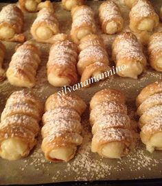 Cream Horns, Sissi, Cannoli, Croissant, Biscotti, Sausage, Sweets, Italy, Cookies