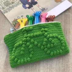 "@daisycrochet worked up a super handy pencil bag with the pattern from @chabepatterns book ""Crochet Kids Bags"". Find the book on Amazon, @barnesandnoble or on our website http://ift.tt/1jNURaX #crochetkidsbags #crochet #amigurumi #かぎ針編み #Вязание..."