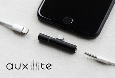 Auxillite adapter - like listening to music and charge the iPhone 7