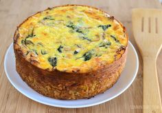 Slimming Eats Chicken and Spinach Quiche with a Hash Brown Crust - gluten free, Slimming World and Weight Watchers friendly Slimming World Chicken Dishes, Slimming World Quiche, Easy Slimming World Recipes, Slimming Eats, Slimming Word, Ww Recipes, Sweet Recipes, Cooking Recipes, Healthy Recipes