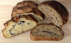 Bury Black Pudding bread has a great wholesome flavour and is easy to make at home. Black Pudding, British Recipes, Pudding Recipes, Bury, Bread Baking, Banana Bread, Meals, Desserts, Food