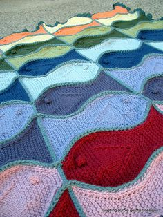Love this knitted Fish blanket