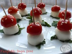 42 Ideas birthday brunch ideas food for 2019 Food Platters, Food Dishes, Indian Food Recipes, Italian Recipes, Italian Dishes, Brunch Bar, Vegan Carrot Cakes, Tomate Mozzarella, Birthday Brunch