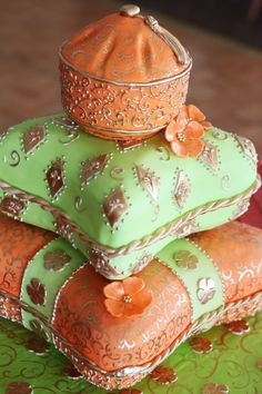Gorgeous pillow cake by Pretty Sweet