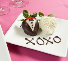 """Chocolate-Covered Strawberries: Tuxedo and White Dress Tutorial. """"Dress up"""" your chocolate covered strawberries this  Valentine's Day! A real treat for your sweetie!"""