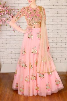 45 Trendy Engagement Outfits that are Jaw Dropping Indian Engagement Outfit, Engagement Dress For Bride, Engagement Gowns, Indian Wedding Outfits, Indian Outfits, Indian Lehenga, Red Lehenga, Anarkali Dress, Lehenga Choli