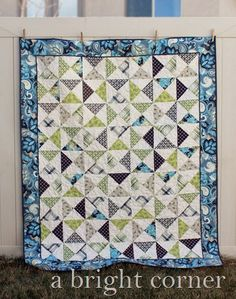 Vintage Verona hourglass quilt: Gorgeous quilt - great colors - love the flange tutorial - must try.